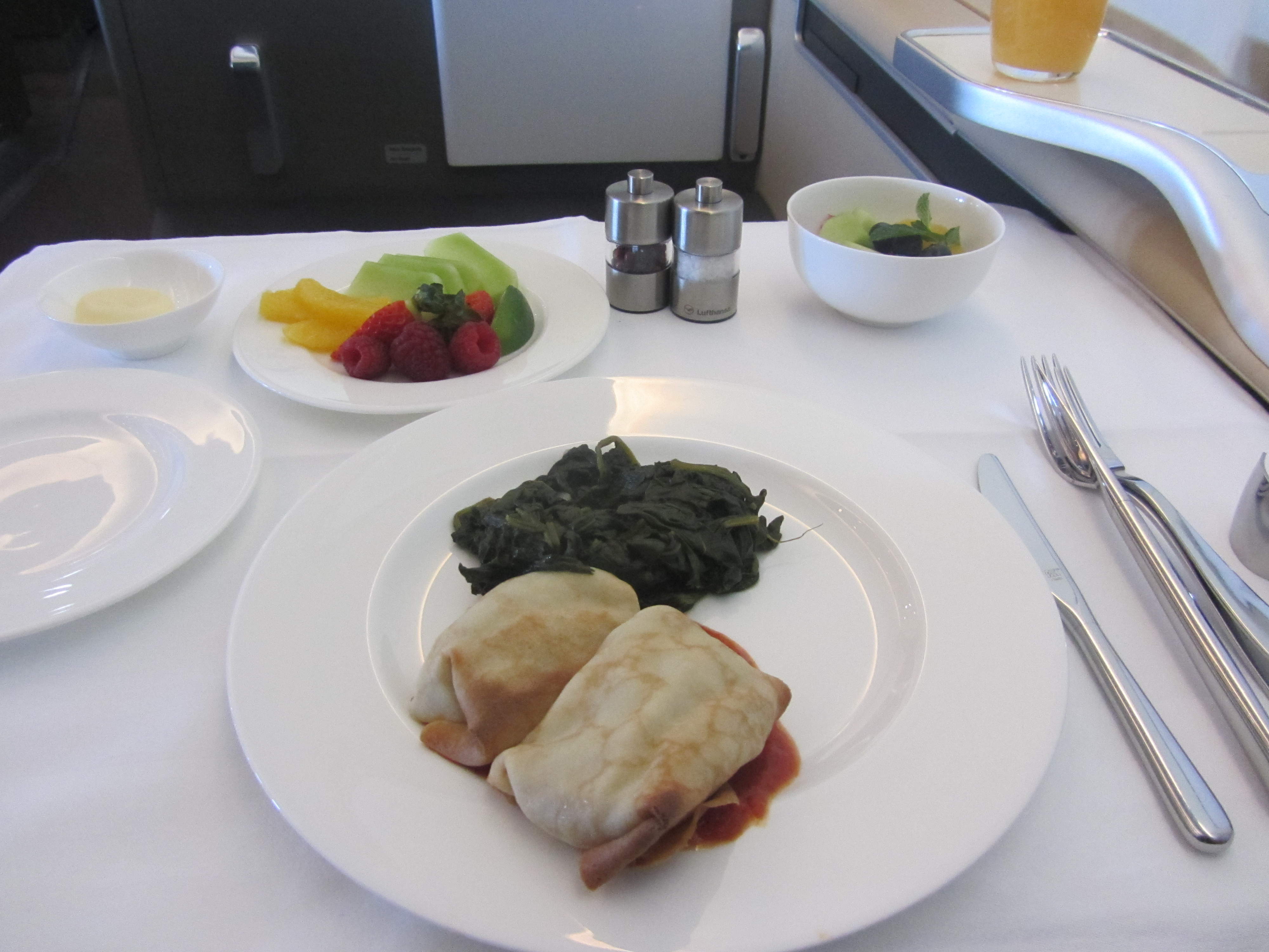 Europe for the Holidays: Lufthansa First Class Los Angeles ...